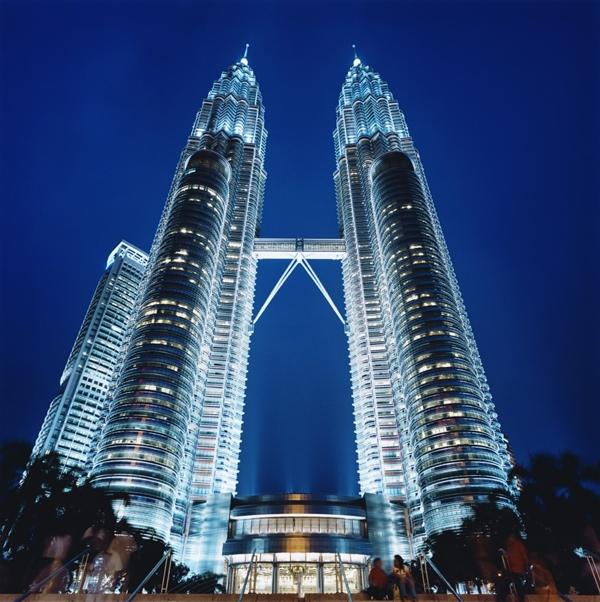 Malaysia, Kuala Lumpur, Petronas Towers at night --- Image by © Martin Puddy/Asia Images/Corbis