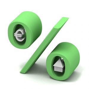 Acquistare casa e mutuo, scendono i tassi d'interesse